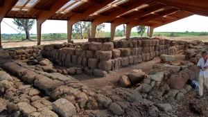"Riapre la mostra Satricum ""Riapre la mostra ""Satricum Scavi e Reperti Archeologici"" a Le Ferriere"""